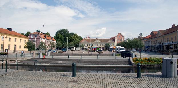 Stora Torget i Alingsås. Foto: B****n/Wikimedia Commons.
