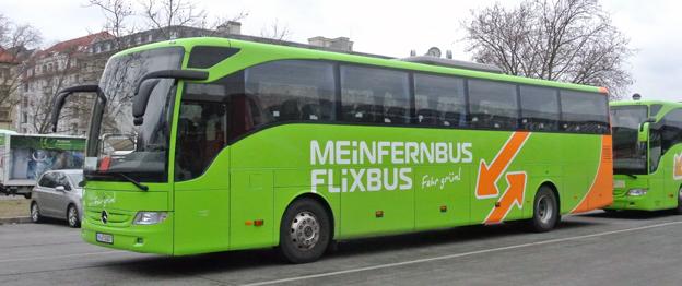 Två Mercedes-Benz Tourismo i trafik för en av de stora aktörerna i tysk expressbusstrafik, MenFernbus Flixbus. Foto: Ulo Maasing.
