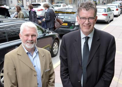 Mikael Persson, Sveriges Bussföretag och Steen Bundgaard, Danske Busvognmænd arbetar internationellt med momsfrågor som berör bussbranschen. Foto: Ulo Maasing.