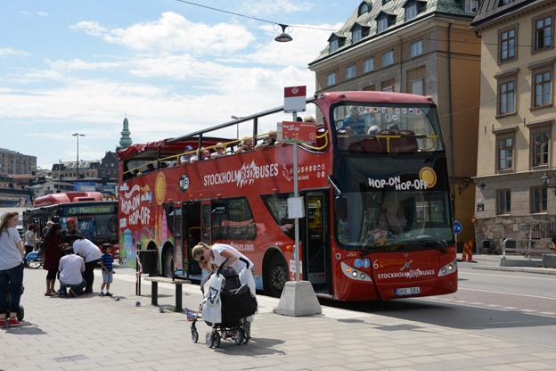 Nu går det att köpa en sightseeingtur med Stockholm Red Buses på Pressbyrån eller i 7-Eleven. Foto: Ulo Maasing.