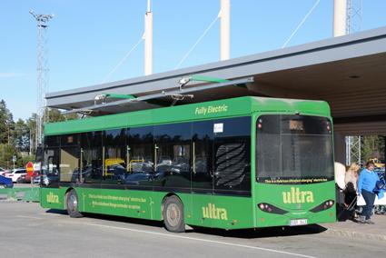 Umeås storsatsning på ultrasnabbladdade elbussar är en del av projektet. Här är den elektriska flygbussen vid flygplatsen i Umeå. Foto: Ulo Maasing.