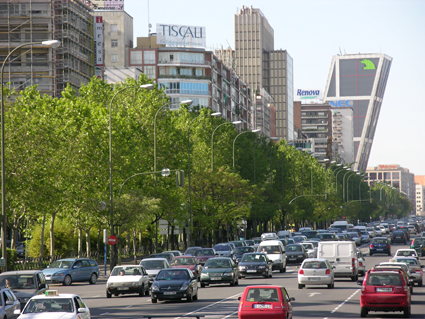 Det är för många bilar på gatorna i Spaniens städer anser näringslivet. Foto: Ulo Maasing.