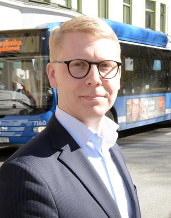 Trafiklandstingsrådet Kristoffer Tamsons(M) deltar i flera seminarier med anknytning till busstrafik. Foto: Ulo Maasing.