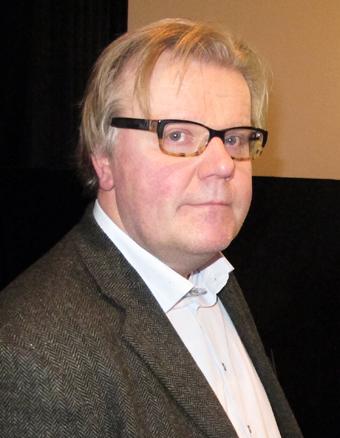 Torbjörn Eriksson inleder seminariet om ökad kollektivtrafik genom minskade kostnader. Foto: Ulo Maasing.