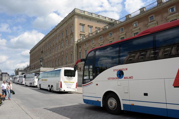 Beställningstrafiken med buss i Stockholm stöter på många utmaningar. Foto: Ulo Maasing.