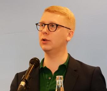 Kristoffer Tamsons(M): Befriande diskussion. Foto: Ulo Maasing.