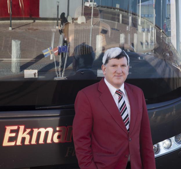 Johan Ekman köper tillbaka sitt gamla varumärke och tre bussar från Strömma. Foto: EkmanResor.