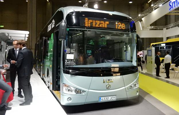 Spanska Irizar visar sin eldrivna stadsbuss i2e på UITP-mässan. Under mässan blev det också offentligt att London ska få sina två första bussar av modellen. Foto: Ulo Maasing.