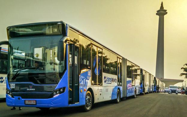 Scania levererar drygt 100 gasdrivna ledbussar till den indonesiska huvudstaden Jakartas BRT-system.