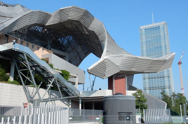 Milanos extremt designade kongresscentrum var platsen för UITP-mässan 2015. Foto: Ulo Maasing.