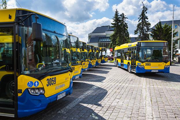 Scanias polska hemstad Slupsk har tagit emot en leverans av 18 Scania CityWide stadsbussar. Foto: Scania.