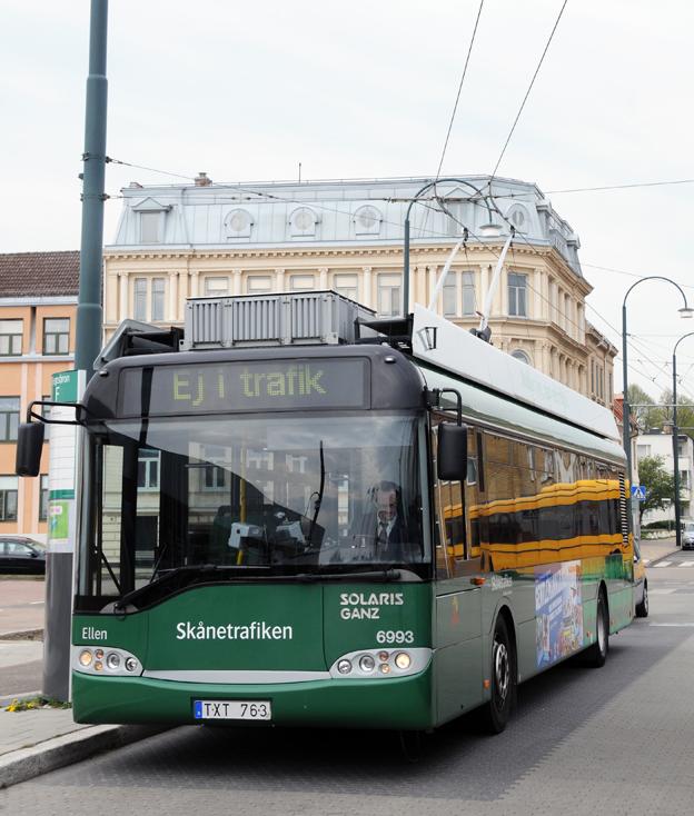 En av landets fyra trådbussar. Samtliga finns i Landskrona. Nu siktar Jönköping på att införa trådbussar redan om tre år. Foto: Ulo Maasing.