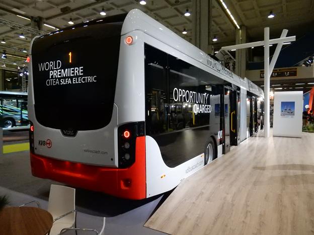 Bussen är den första av åtta som ska levereras till Köln där lokaltrafiken i höst elektrifierar en stadsbusslinje. Foto: Ulo Maasing.