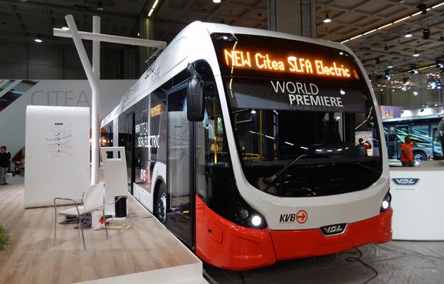 En av flera världspremiärer på mässan: VDL:s snabbladdade eldrivna ledbuss Citea SLFA Electric. Det här exemplaret ska rulla i Köln. Foto: Ulo Maasing.