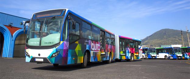 BRT-systemet i Ecuadors huvudstad Quito har tagit emot 40 nya ledbussar från Mercedes-Benz. Foto: Daimler Buses.