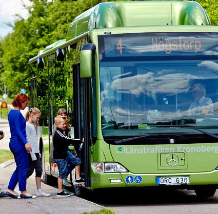 Bussarna i Växjö ska gå senare när krogarna har öppet längre på natten. Foto: Mats Samuelsson.