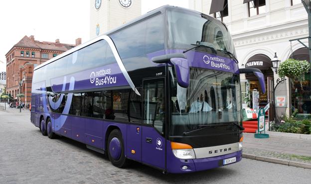 En av Nettbuss Bus4Yous bussar på väg från Malmö mot Oslo. Nettbuss Express AB ökade i fjol sin omsättning kraftigt, men lönsamheten hängde inte med. Foto: Ulo Maasing.