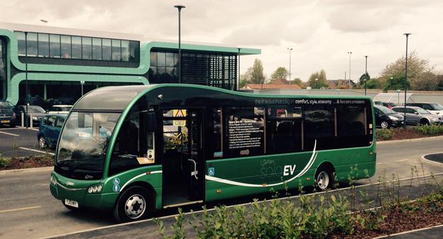Busstillverkaren Optare har nominerats till det mest prestigefyllda priset i brittisk transportnäring, National Transport Awards. Nomineringen gäller företagets elbussar av vilka två går i trafik i Karlstad. Foto: Optare.
