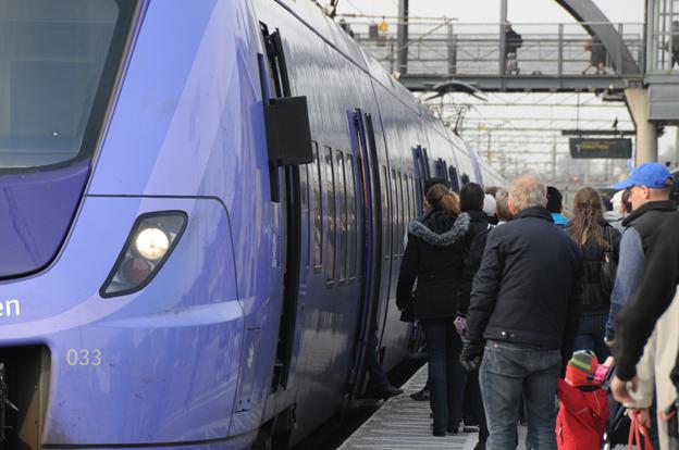 Tågtrafiken i Skåne har den senaste tiden på nytt drabbats av stora störningar. Samtidigt har det varit svårt att få fram ersättningsbussar. Foto: Ulo Maasing.