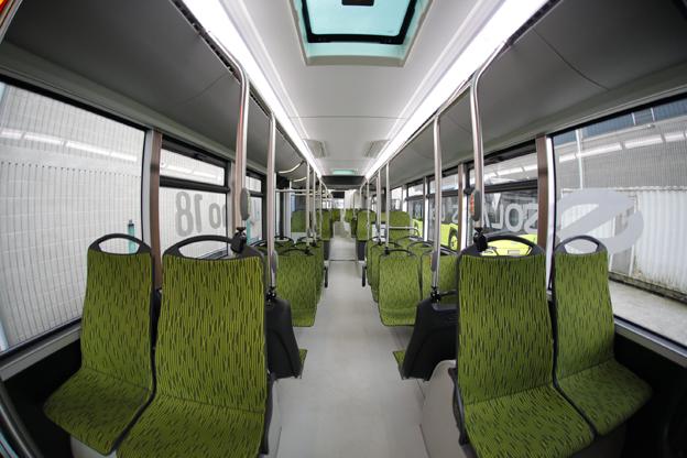 Genom att öka hjulbasen har nya Urbino 18 fått utrymme för fler sittplatser utan podestrar. Foto: Solaris.