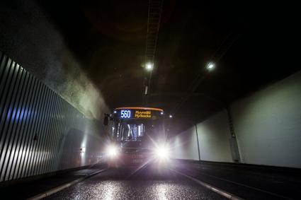 Busstunneln förkortar restiden med upp till femton minuter. Foto: HSL/HRT.