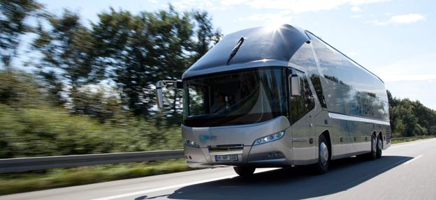 Turist- och intercitybussar från MAN och Neoplan får en ny generation säkerhetssystem. Foto: MAN.