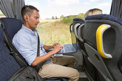 Täta turer med fritt wifi är framtiden för busstrafiken mellan Askersund och Örebro. Foto: Alexandeer von Sydow.