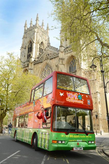 Sightseeingbuss i York som har bytt från diesel till el. Foto: York city council.