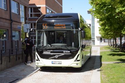 En elbuss från Volvo på linje 55 i Göteborg. Foto: Ulo Maasing.