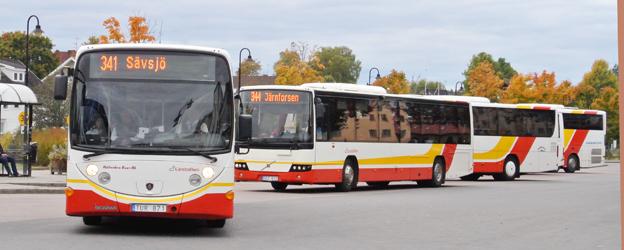 Klagomålen på Jönköpings Länstrafik ökar. Bussarna på bilden har inget direkt samband med detta. Foto: Ulo Maasing.