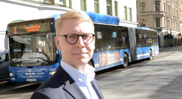 """Trafiklandstingsrådet Kristoffer Tamsons(M) sågar regeringsutspel om pengar till landsbygdstrafik: """"Om regeringen hade menat allvar med att vilja satsa på kollektivtrafiken så hade de avvecklat momsen på kollektivtrafik."""" Foto: Ulo Maasing."""