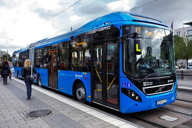 GS Buss har satt sju Volvohybridledbussar i trafik på stomlinje 17 i Göteborg. Foto: Volvo.