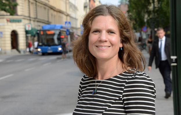 Nanna Wikholm, oppositionslandstingsråd(S): Nerskärningar i busstrafiken är fel väg att gå. Foto: Ulo Maasing.