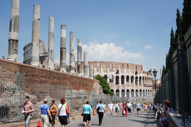 De planerade kraftiga höjningarna av busstullar i Rom möts av en proteststorm från researrangörer. Foto; Ulo Maasing.