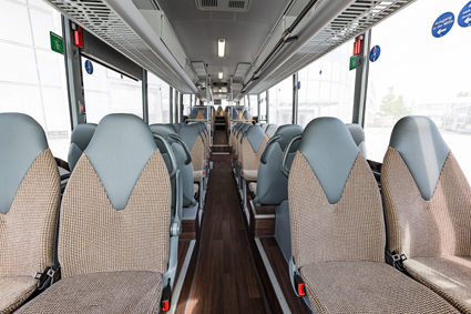 S 418 LE business kan fås med upp till drygt 60 sittplatser.