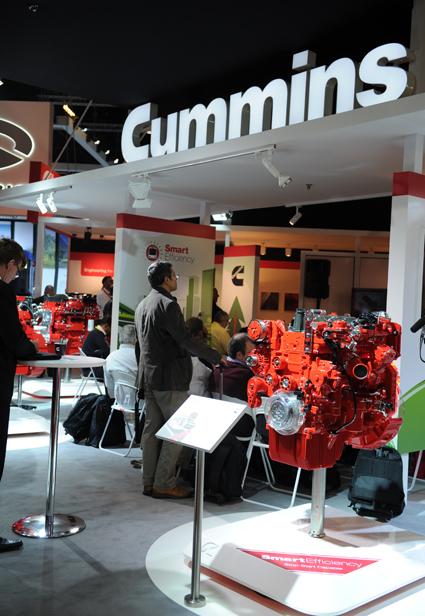 Motortillverkaren Cummins laserde på Busworld en ny teknik för att stänga av och sätta på bussars dieselmotorer när bussen stannar och kör igång. Foto: Busworld.