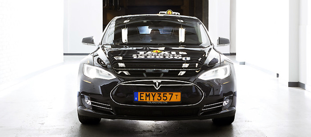 Taxi Stockholm ska nästa år ha ett femtiotal elbilar i sin verksamhet. Foto: Taxi Stockholm.