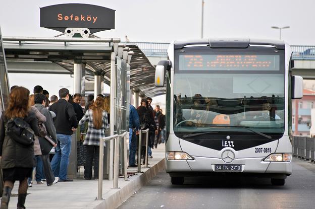 Istanbuls BRT-lösning Metrobus har prisbelönats som bästa busslösning i stadstrafik. Foto: Daimler Buses.