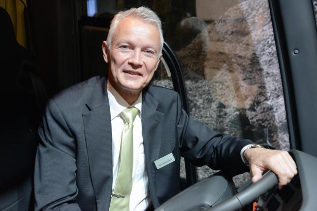 Hör Peter Danielsson, ansvarig för fordonsegenskaper och säkerhet på Volvo Bussar, i en bussradiointervju om Volvo dynamic steering. Foto: Ulo Maasing.