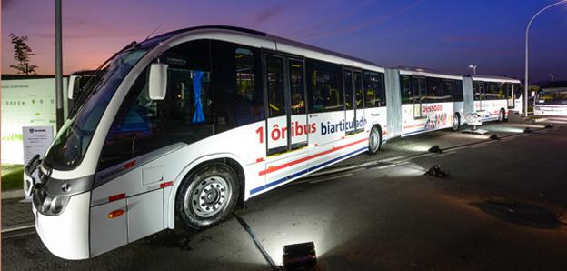Scania introducerar nu en 28 meter lång BRT-buss i Latinamerika. Foto: Scania.