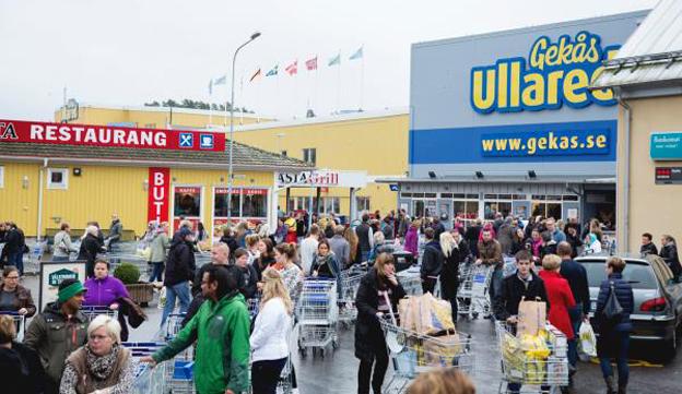 Höstshopping i Ullared. Shoppingturismen är en jätteindustri i Sverige visar en ny rapport från Svensk Handel. Foto: Gekås.