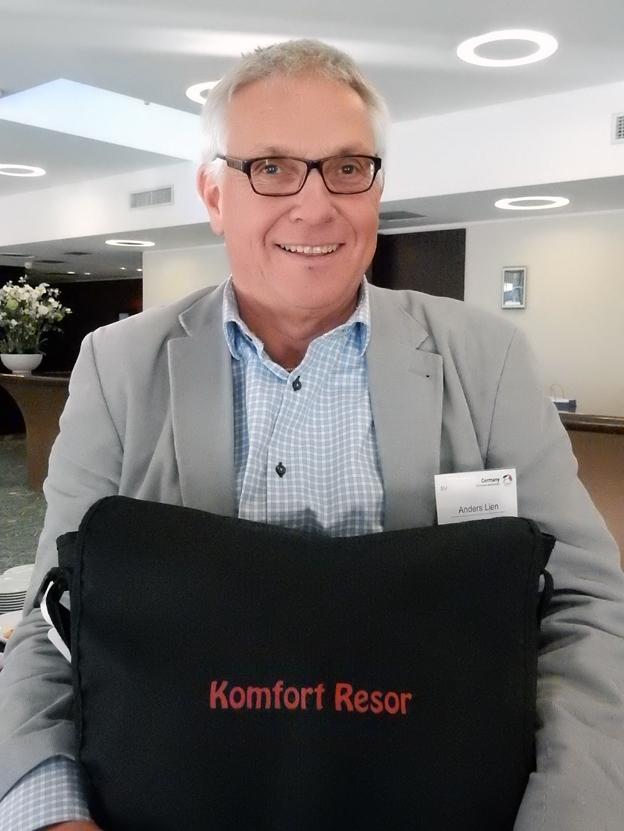 KomfortResors Anders Lien kramade gärna sin portfölj. Foto: Ulo Maasing.