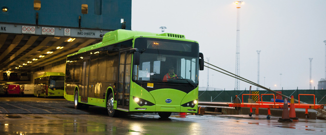 De första BYD-bussarna för den svenska marknaden kom till Malmö i helgen.