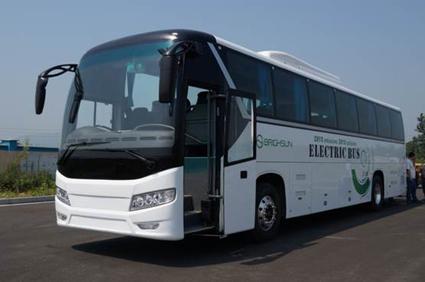 Tusen kilometer på en laddning ska den här australiensiska bussen klara. Foto: Brighsun.