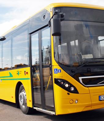 Värmlandstrafiks nya bussar saknar toaltter även på de långa linjerna. Protesterna fortsätter.
