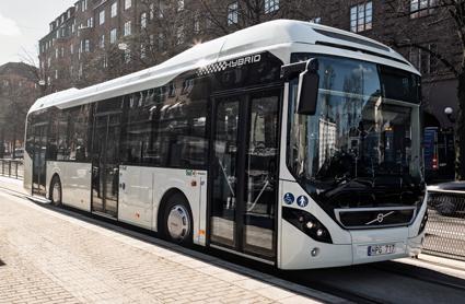 Volvo är första busstillverkare med hybridbussar i Indien. Foto: Volvo.