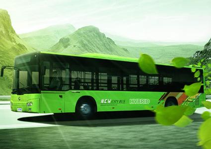 Yutong räknar med att sälja 13600 elbussar och hybridbussar i år. Bild: Yutong.