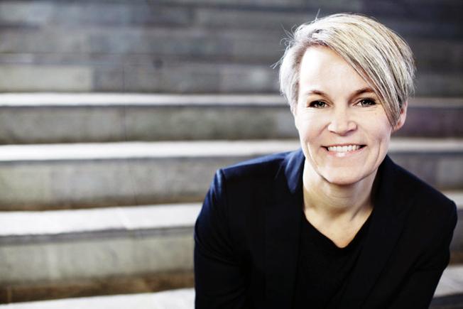 Margareta Friman, professor, SAMOT: I storstäderna prövas i dag olika system för att öka resandet och minska miljöpåverkan, men spridning av resultat och kunskaper sker långsamt. Foto: Karlstads Universitet.