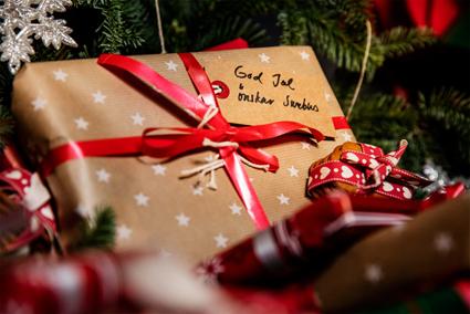 Swebus delar ut julklapparpå bussarna inför julafton.