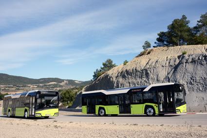 Nya Solaris Urbino kommer snart även i gasversion. Under 2016 lanseras 12-metersversionen för gasdrift, ett år senare den a8 meter långa ledbussen. Klaus Hansen tror dessutom starkt på elbussens framtid. Foto: Ulo Maasing.